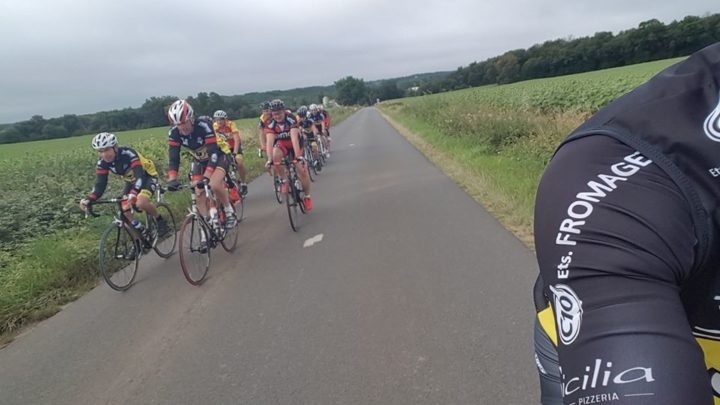 UCC Vivonne départ commun cyclos coursiers