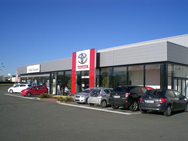 Toyota SNDATouzalin Partenaire UCCVivonne